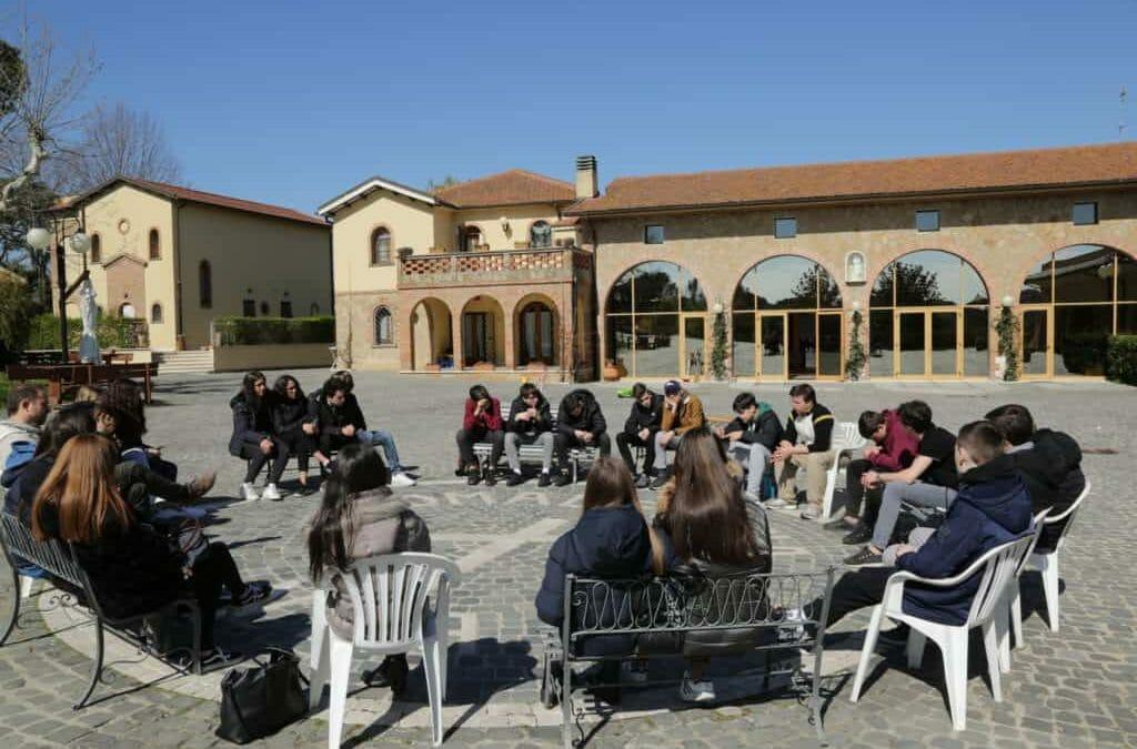 300 studenti dalla scuola di don Bosco a Nomadelfia